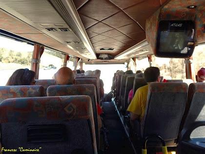 """L'interior de l'autocar que ens retorna a Puig-reig. Autor: Francesc """"Caminaire"""""""