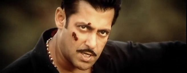 Screen Shot Of Hindi Movie Dabangg 2 (2012) Download And Watch Online Free at worldfree4u.com