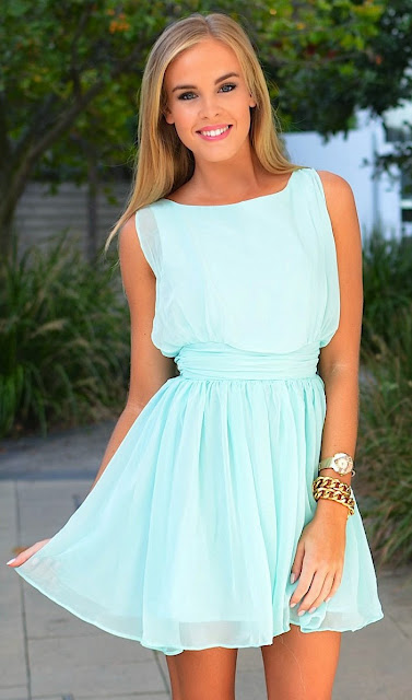 flowy mint dress, Style within simplicity