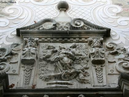 Relleu de la verge a la portalada barroca de l'església de Santa Maria. Autor: Carlos Albacete