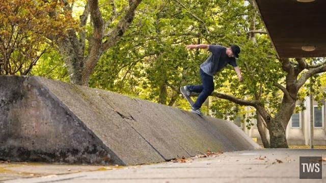 http://skateboarding.transworld.net/1000200140/videos/body-water/
