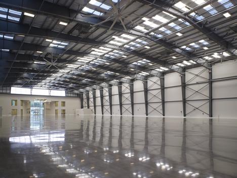 pisos industriais liso de alta resistencia, pisos industriais, piso industrial, piso liso, piso de concreto, piso de concreto alisado, piso de concreto liso, piso de concreto polido, concreto polido, polimento de concreto