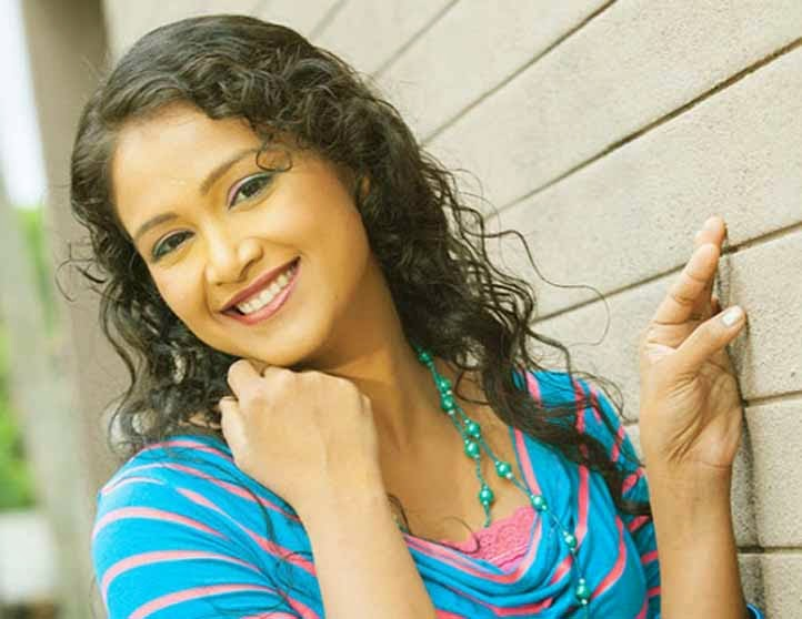 Gossip chat with Ashika Mathasinghe