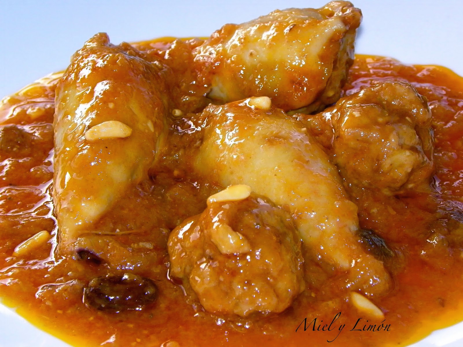 Miel y lim n calamares rellenos a la mallorquina - Chipirones rellenos en salsa de tomate ...