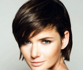 Chic Short Straight with Side Swept Bangs