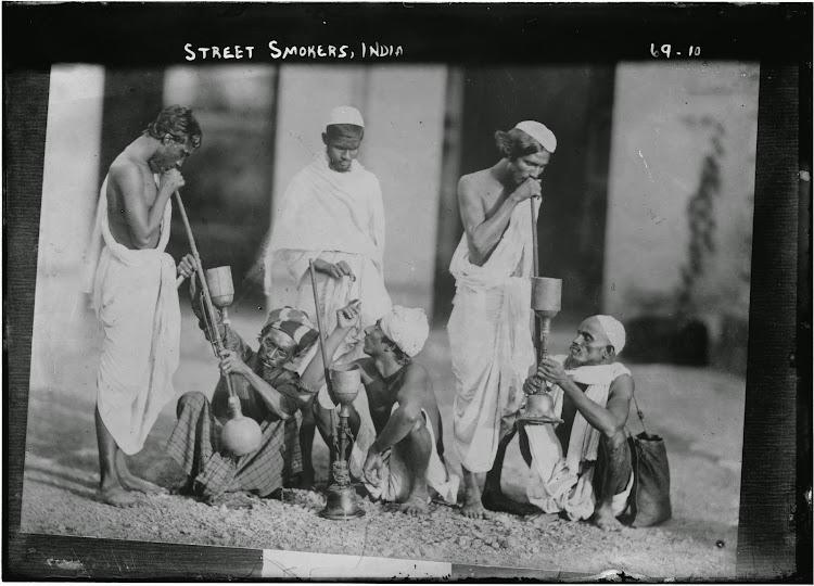 Group Photo Street Smokers - India 1922