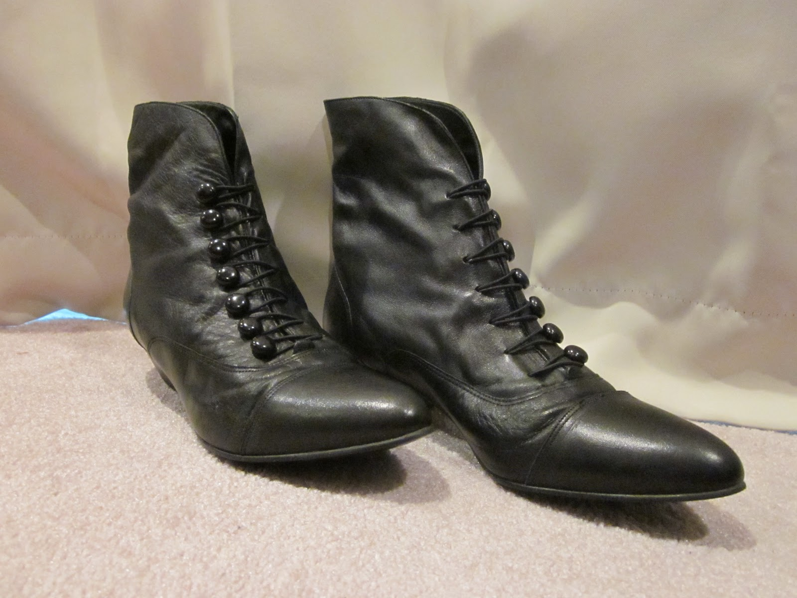 80 s and 90 s womens boots for sale black leather button