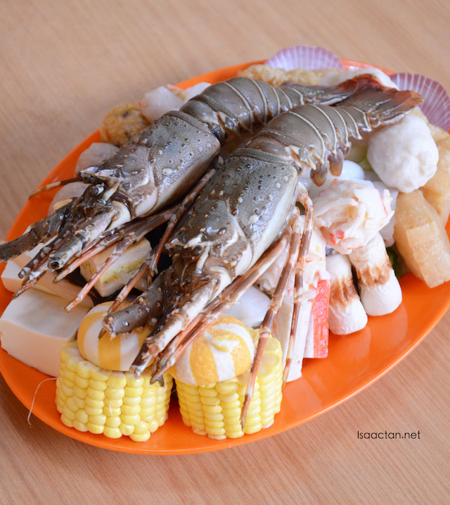 Fresh lobster set - RM49.90 per pax, shown here is for 2pax