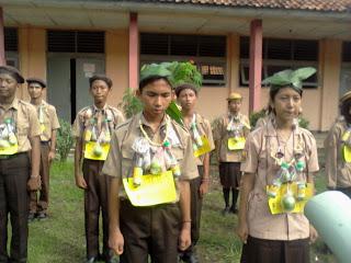 http://kakiku90.blogspot.com/2013/05/motto-gerakan-pramuka.html
