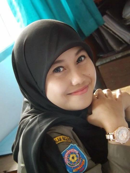 Foto Nurul Habibah Satpol PP Cantik