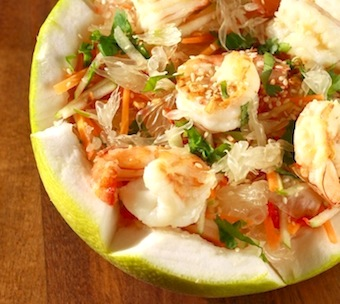 thai pomelo salad with shrimp