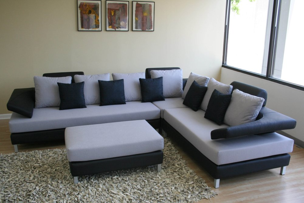 Seater Sofa Set With Coffe Table And Qutions Rs 30000 Only