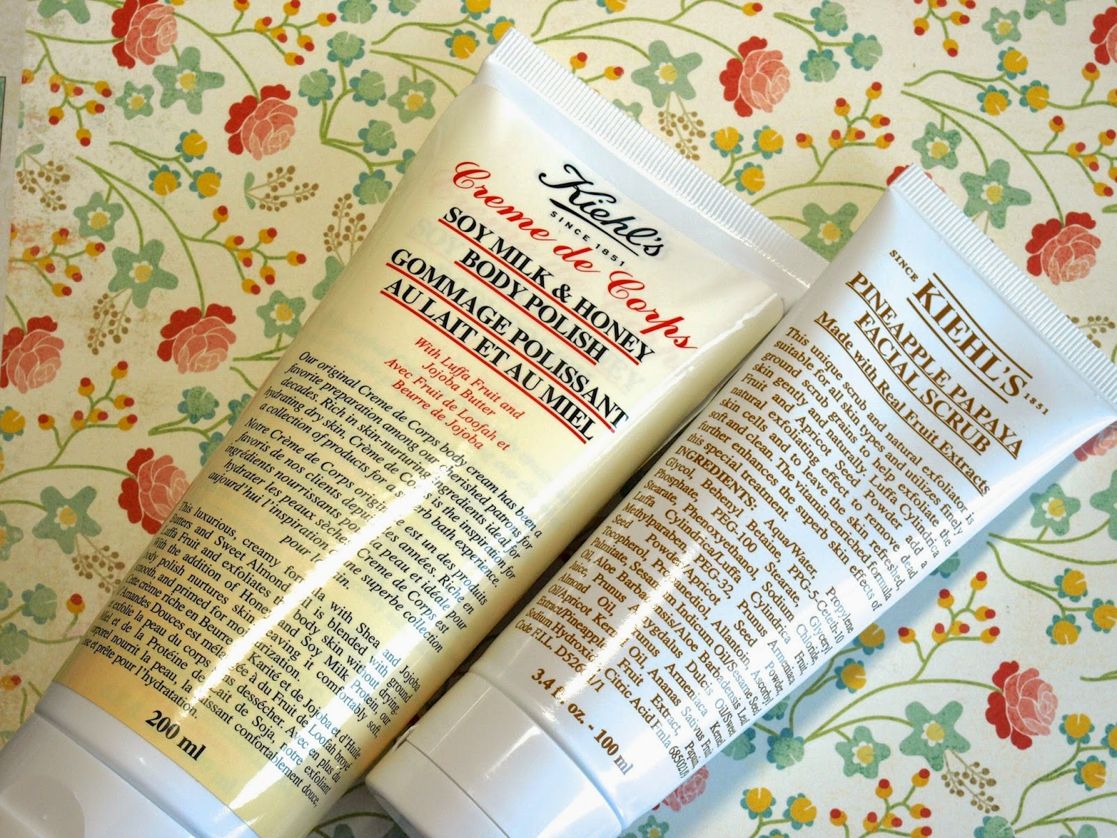 "Summer Skin with Kiehl's ""Creme de Corps Soy Milk & Body Polish"" & ""Pineapple Papaya Facial Scrub"": Review"