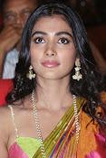 Pooja hegde glamorous photos-thumbnail-15