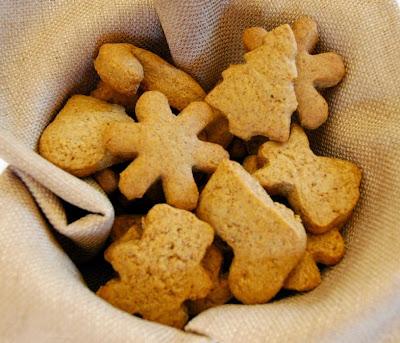 http://3.bp.blogspot.com/-S_liXagY-EE/VHIdDDtoGXI/AAAAAAAADgE/ytn1xuhovTk/s1600/GingerbreadGrahams5.jpg