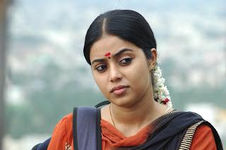 poorna  stills in karuvachi movie stills (1)