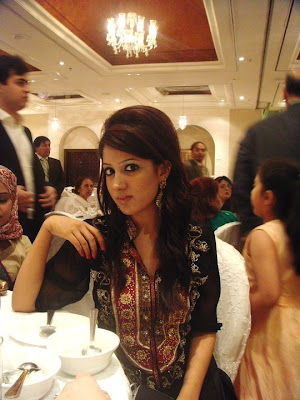 Cute Homely girls Posing in Front of Camera, Fashion girls from Pakistan
