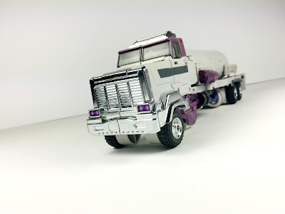unique toys provider truck mode cab