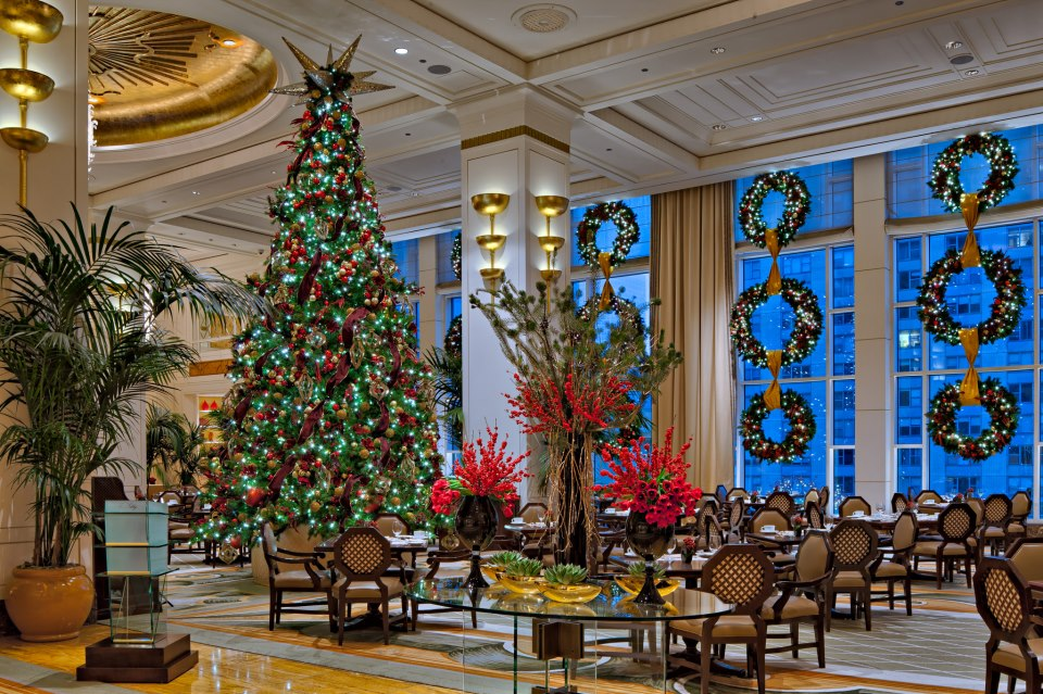 Christmas Decorations In Hotel Lobby : Holiday decorations from hotels around the world