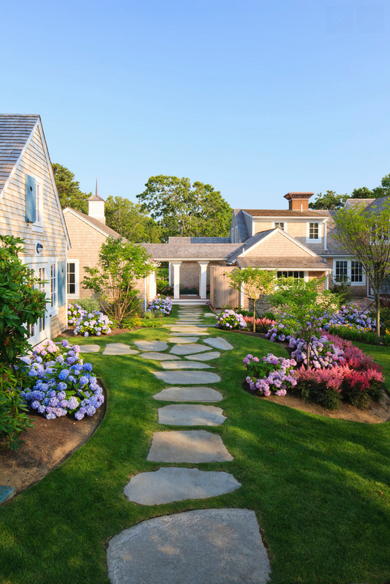 http://www.houzz.com/photos/2129374/Traditional-Landscape-traditional-landscape-boston