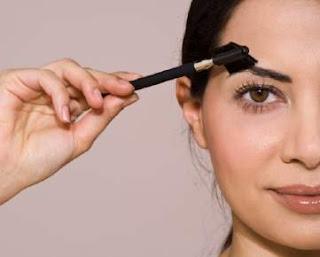 Cara menghitamkan alis mata secara alami