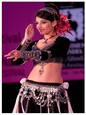 Beautiful belly dancer women in India