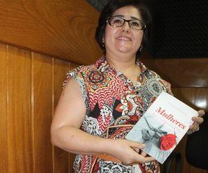 Professora delmirense lança livro sobre papel da mulher no Antigo e Novo Testamento