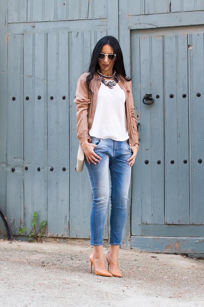 Bloguera valenciana de moda y belleza con look estilo casual chic
