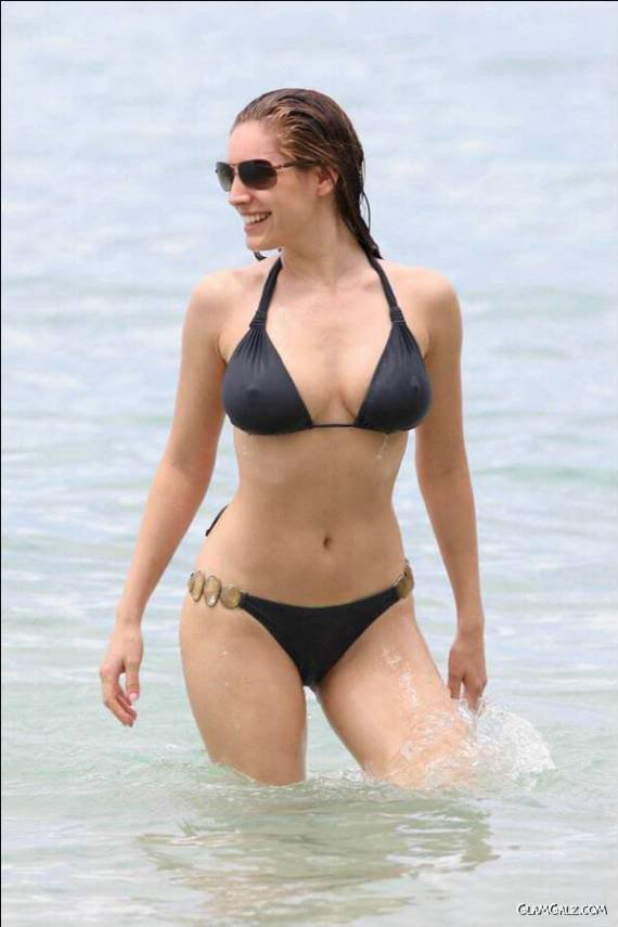 Bikini Hotties 79