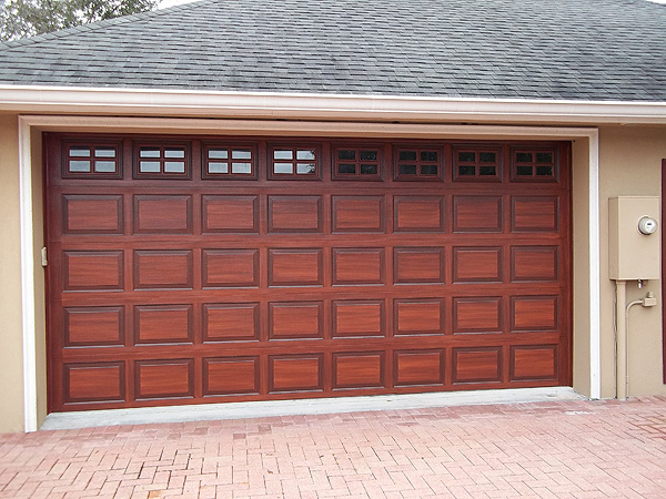 Create a wood grain on garage everything i create for Wood like garage doors
