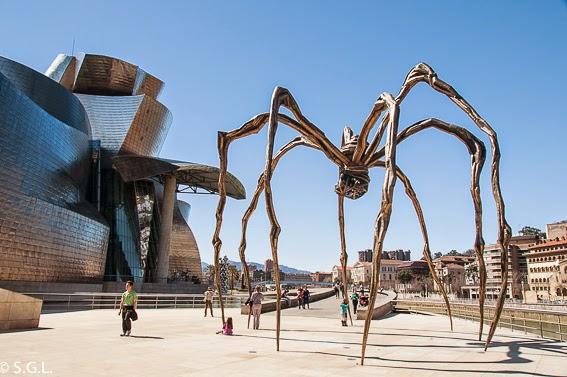 El Guggenheim y la araña Mama