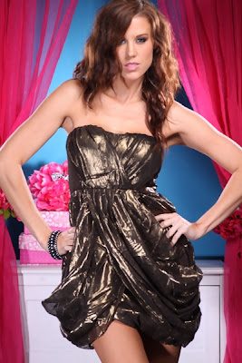 VINTAGE GOLD STRAPLESS METALLIC BUBBLE MINI DRESS