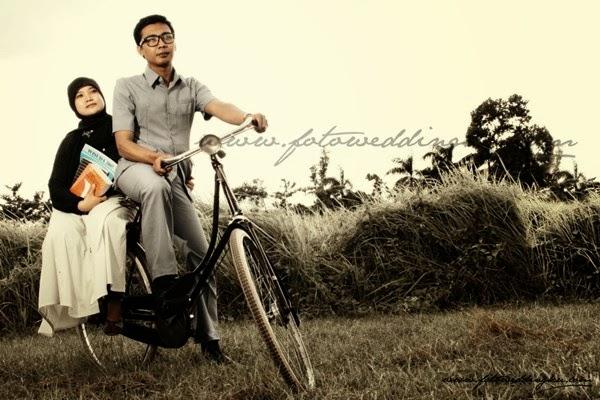 prewed dengan sepeda jadul