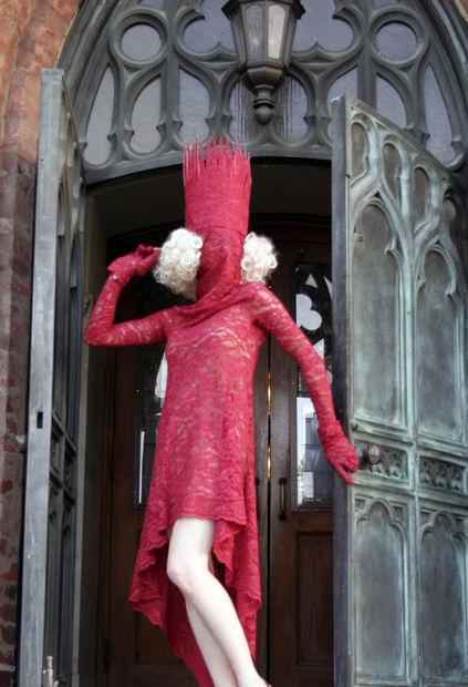Traje Rojo de Lady Gaga