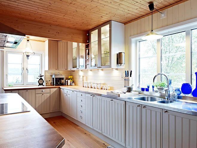 casa de campo diseño interior rustico actual -cocina gabinetes blanco roto