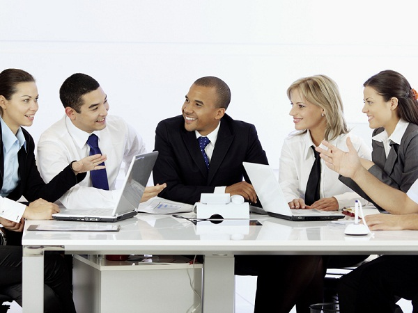 Từ bàn đàm phán đến kế hoạch kiếm tiền.