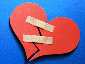 How Do I Patch Up With My Girlfriend? - broken heart