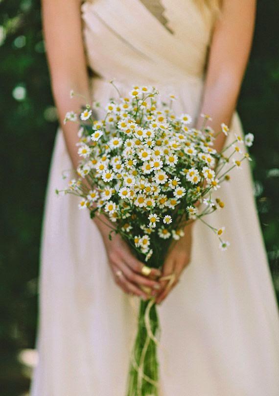 rustic daisy bouquet