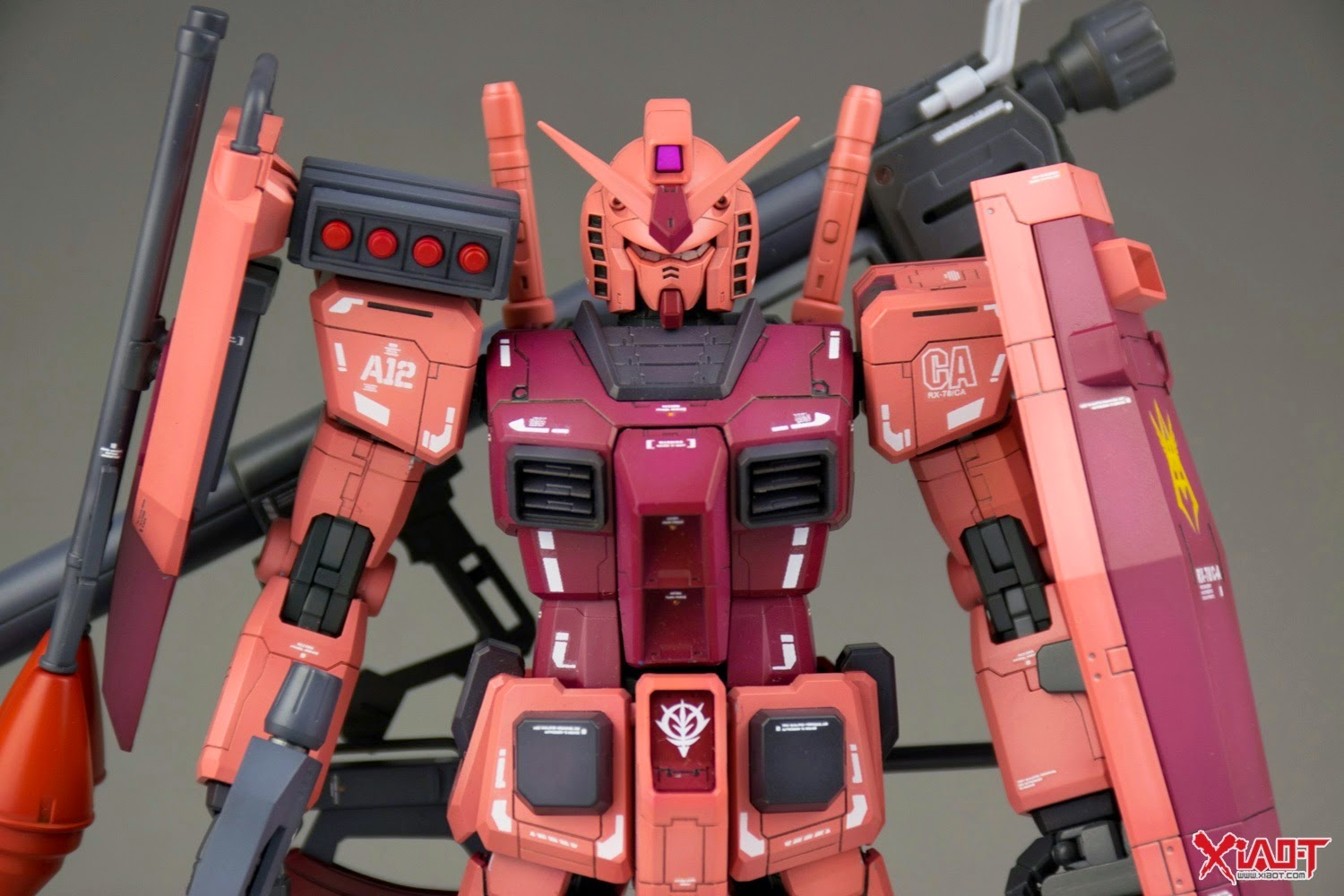 RX-78 CA MG 1/100 RX-78/C.A. Char Aznable's Customized Gundam Custom Build