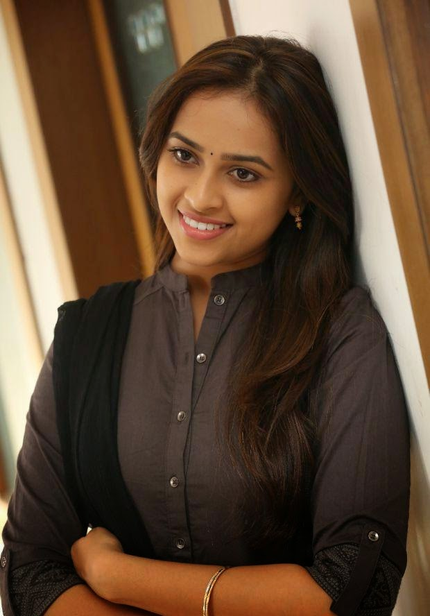 Sri Divya spicy photos