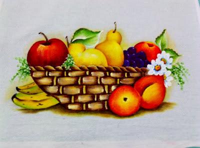 cesta com futas