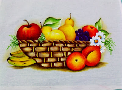 """pano de copa com pintura de cesta de frutas"""