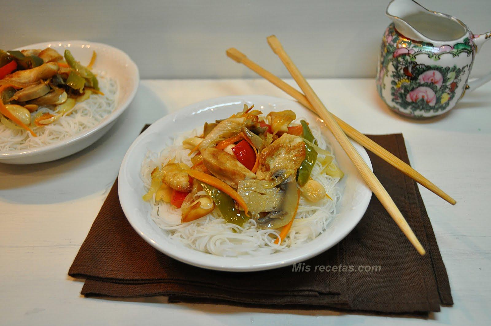 Fideos Arroz Pollo Fideos de Arroz y Pollo Con