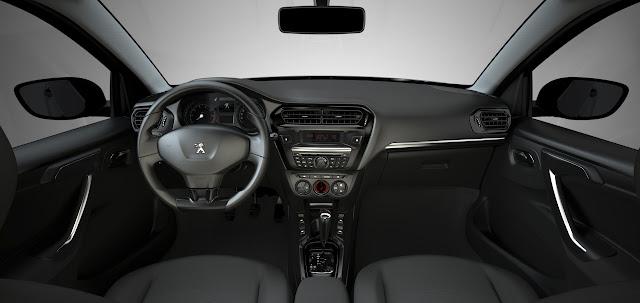 в салоне Peugeot 301
