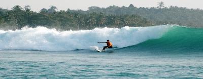 http://www.surfcampsiberut.com