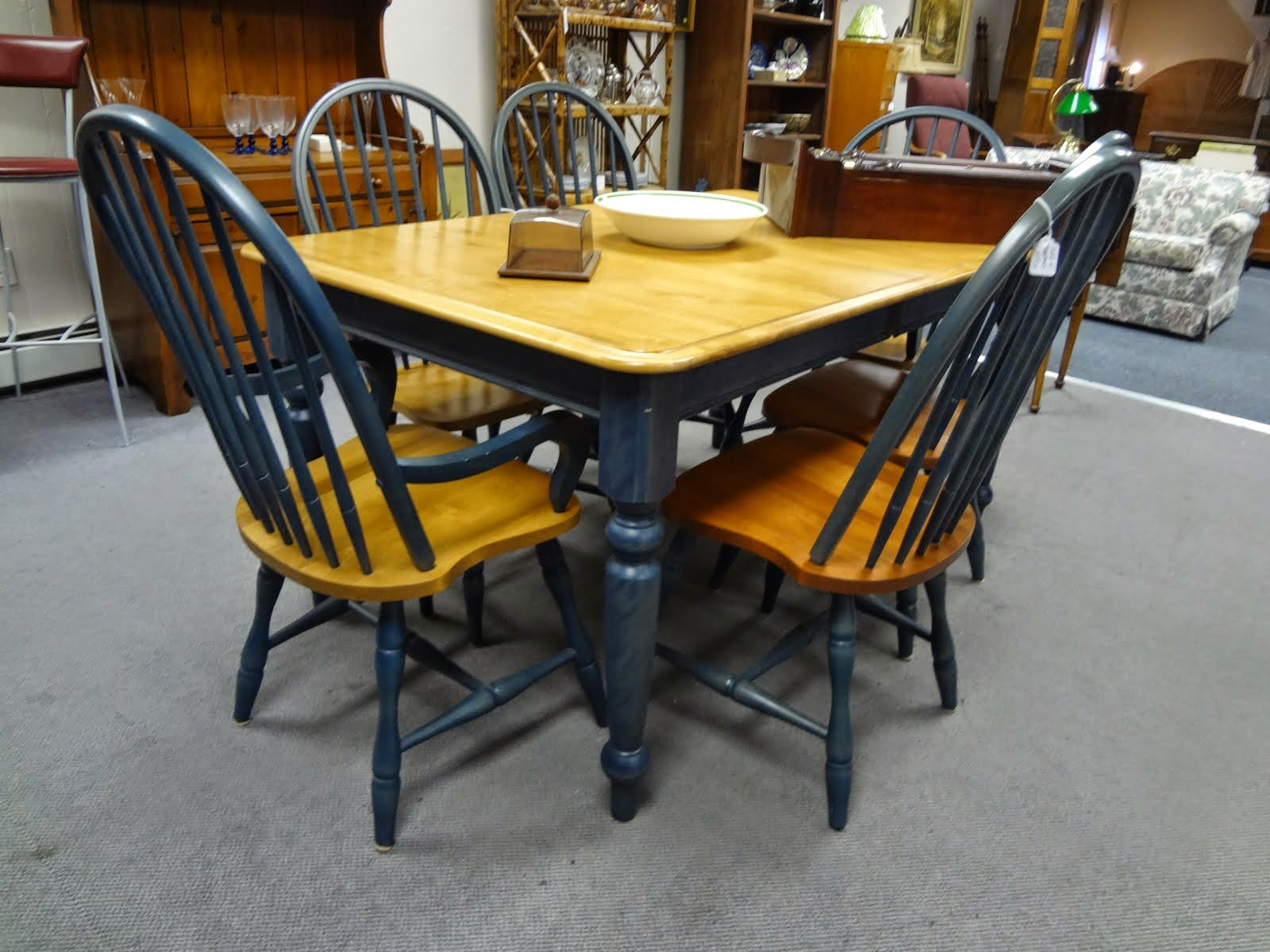 Nice dining tables & chairs