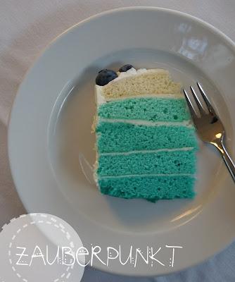 Blaue Ombre-Torte mit Heidelbeeren, Geburtstag, Geburtstagstorte