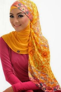 Warna Hijab Kuning Cerah Trend Busana Muslim 2016