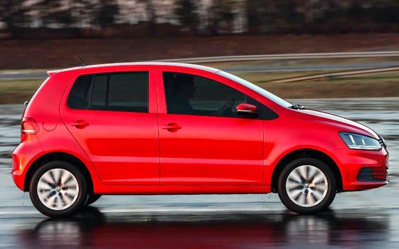 Volkswagen Fox 2015 vermelho fotos
