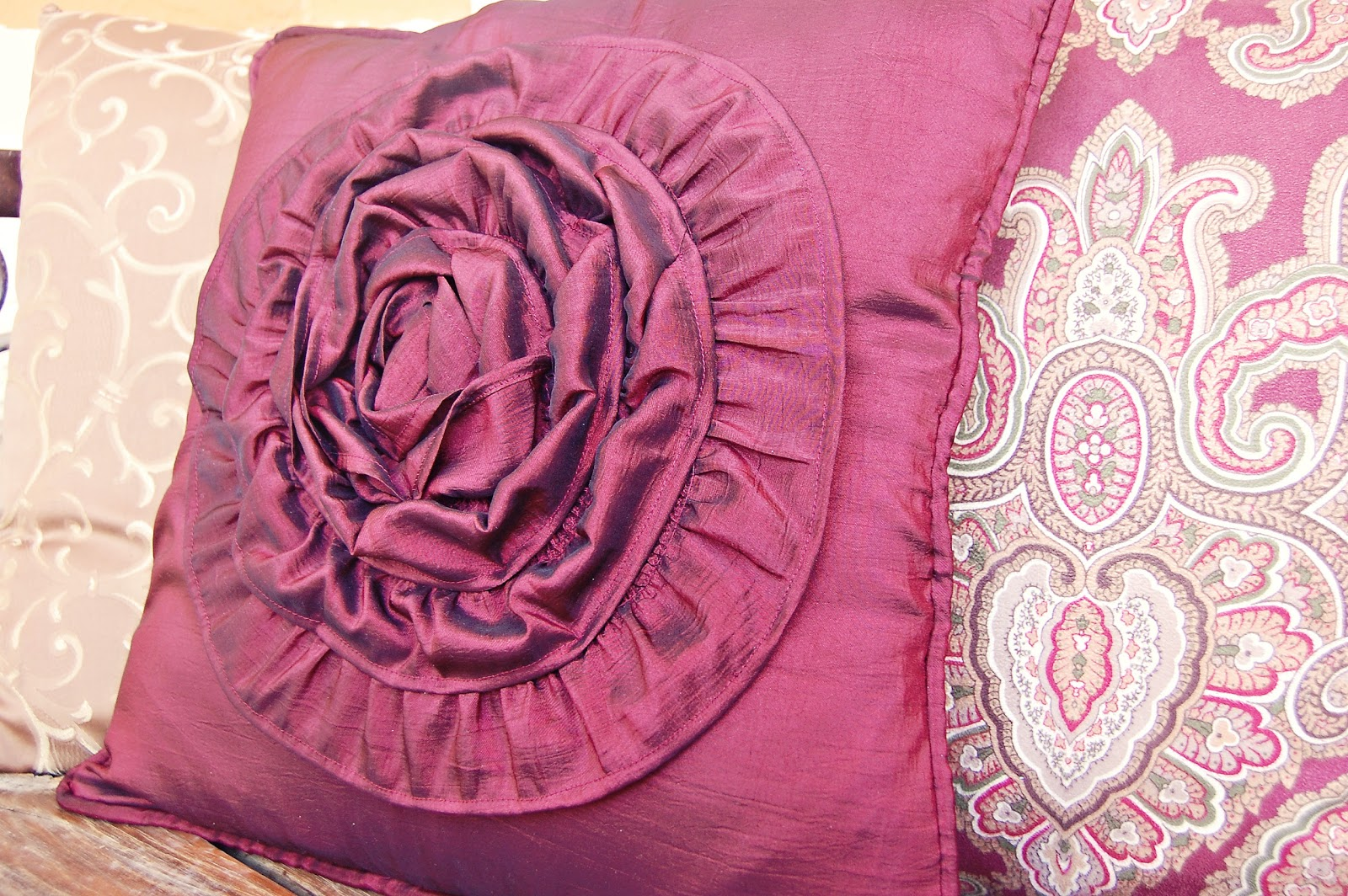 How To Make A Throw Pillow With Ruffle : Babblings and More: Rose Ruffle Throw Pillow Cover